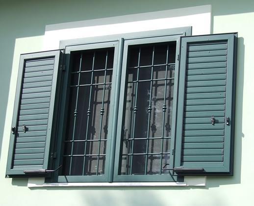 Verniciatura infissi alluminio idee di design per la casa - Verniciare finestre alluminio ...