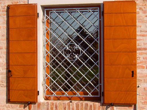 Grate e inferiate euroinfissi sabellico - Grate finestre prezzi ...
